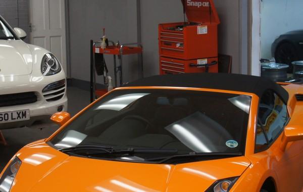 Lamborghini Gallardo Spyder and Porsche Cayenne Kahn